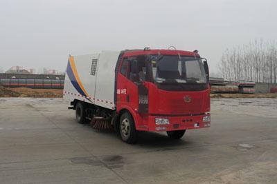 CLW5120TSLC4型扫路车